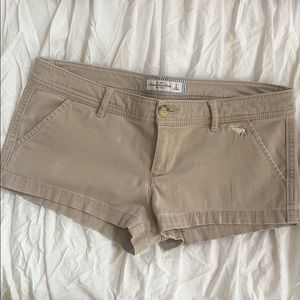 Cute Khaki Tan Abercrombie and Fitch shorts size 2